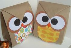 bolsas de papel decoradas con motivos navideños - Buscar con Google Party Bags, Party Gifts, Envelopes, Paper Owls, World Crafts, Box Patterns, Back To School Gifts, Sunday School Crafts, Hobbies And Crafts