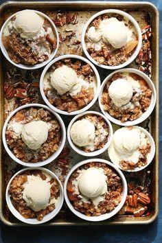 Slow Cooker Apple Pear Crisp - Damn Delicious | 1001 Apple Recipes Easy, Crockpot Dessert Recipes, Crock Pot Desserts, Apple Dessert Recipes, Slow Cooker Desserts, Easy Desserts, Cooker Recipes, Crockpot Meals, Pear Dessert