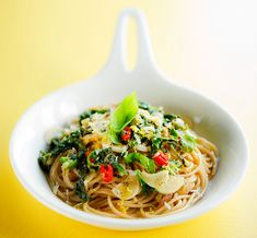 Pasta x 7 - ota talteen herkulliset pastareseptit Japchae, Feta, Spaghetti, Ethnic Recipes, Main Courses, Drinks, Main Course Dishes, Drinking, Entrees