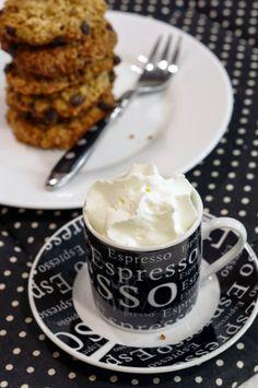 Ha esetleg a karácsonyi kekszdömping után mégiscsak kekszre vágynánk, ajánlom ezt a finom zabkekszet. Fehér lisztet egyáltalán nem tartalma...