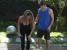 ▶ Ginástica em casa: exercícios para as costas - YouTube