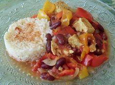 Un des petits plats avec du tofu, que je consomme  souvent le soir, accompagné de riz...       Ingrédients pour 2-3 personnes:   200 g de t...