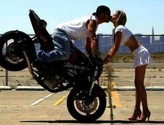 Bikerkiss biker kiss momment