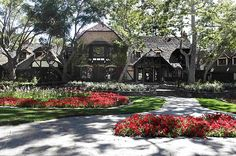 I Love the Neverland Ranch. It's gorgeous.