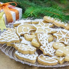 Frosted Shortbread Cookies | Work It, Mom!