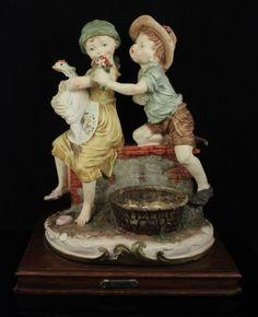 Giuseppe Armani Figurine Boy and Girl with Chicken MINT WorldWide