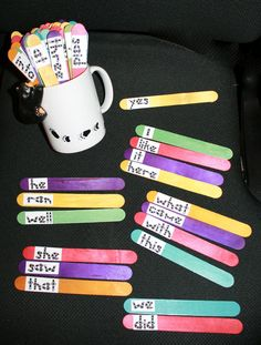 Dolch Word Stick Labels I think I'll make these for our rainbow words :] I'll turn it into an art project by having the kiddos water color their sticks first. Sight Word Practice, Sight Word Games, Sight Words, Kindergarten Reading, Teaching Reading, Preschool Kindergarten, Word Study, Word Work, Dolch Word List
