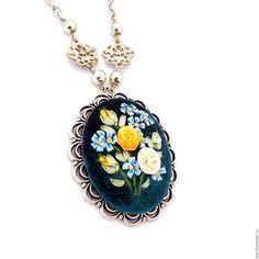 Купить Кулон с вышивкой лентами Модный цвет - затемненная ель, морской пион, модный цвет