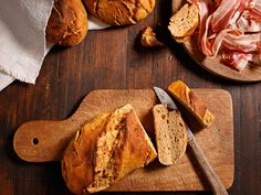 Kartoffelbrot vom Berg Berg, Butcher Block Cutting Board, Food, Tv, Bread Baking, Side Dishes, Food Food, Eten