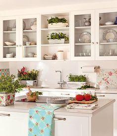 Muebles lacados en blanco en pared sin tirador ideas for Planifica tu cocina en 3d