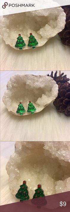 🔥🆕 Old Fashioned Christmas Tree Fashion Earrings Brand New Boutique Item In Packaging And Mesh Bag. Treat Yourself To These Festive Holiday Earrings!! With A Stained Glass Look These Old Fashioned Christmas Tree Earrings Are Sure To Get You Tons Of Compliments!!! Hypoallergenic, Pierced Ears. Perfect For Sensitive Ears Boutique Jewelry Earrings