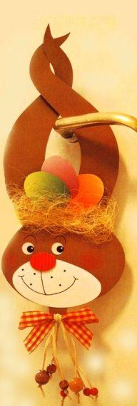 HÚSVÉTI DÍSZEK PAPÍRBÓL - tanitoikincseim.lapunk.hu Easter Art, Easter Crafts For Kids, Crafts To Do, Decor Crafts, Easter Bunny, Paper Crafts, Class Decoration, Easter Activities, Holiday Wreaths