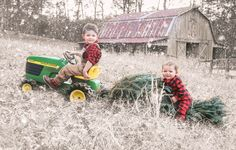 Christmas picture, kids Christmas photo, kids snow picture, kids tractor picture
