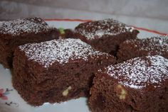 Desert prajitura negresa (de post) No Cook Desserts, Vegetarian Recipes, Sweet Tooth, Sweet Treats, Easy Meals, Tasty, Sweets, Cooking, Cappuccinos