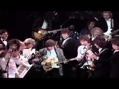 """The Rolling Stones,Beatles,Bob Dylan,Jeff Beck,Bruce S.""""I Saw her standing there"""" Live 1988 Jeff Beck, Mick Jagger, Bruce Springsteen, George Harrison, Bob Dylan, I Saw, Rolling Stones, The Beatles, Rock And Roll"""