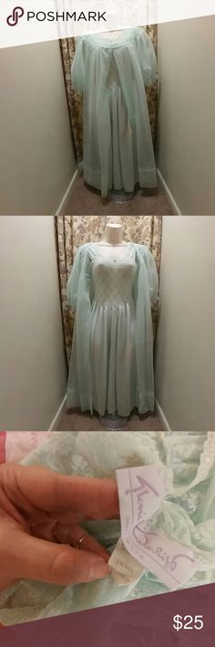 Vintage mint green nylon chiffon peignoir set Mix and match set, not an actual set but a very good match!  Vintage 50s mint green 100% nylon robe, sheer chiffon, size medium, two button closure, sans souci.  Nightgown is vintage 80s Gloria Vanderbilt, 100% nylon, stretch lace bodice, size small.  Both pieces are in great condition with no flaws.  Pretty, girly, very sweet sexy vintage lingerie. Vintage Intimates & Sleepwear Robes