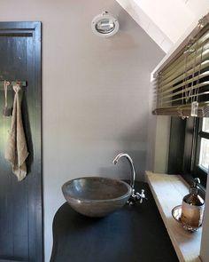 b a t h r o o m  d e t a i l  #mybathroom #furnlovers #bathroom #myhome #homedecoration #soberwonen #brocante #interiorstyling #homedeco #mynordicroom #scandinavianinterior #sober #ilovemyinterior #interior #inredning #interior123 #interiør #countrylife #interiordecor #countryliving #nordicliving #binnenkijken #landelijkwonen #showhometop5 #interior2you #interior4all #nordic #whiteinterior #instahome #whitelivingroom
