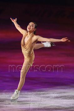 Mao Asada, APRIL 11, 2014 - Figure Skating : Stars on Ice Japan Tour 2014 at 1st Yoyogi Gymnasium, Tokyo, Japan. (Photo by Yohei Osada/AFLO SPORT)  (341×512)