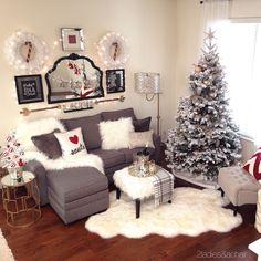 christmas throw pillows.JPG