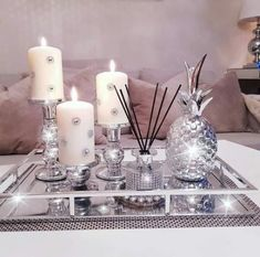 37 ideas in the centerpiece of a beautiful dining room table and increase your appetite 28 Dining Room Table Centerpieces, Table Decor Living Room, Glam Living Room, Table Decorations, Living Rooms, Centerpiece Ideas, Cozy Living, Beautiful Dining Rooms, Decorating Coffee Tables