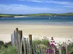 Padstow Bay, view's across to rock Cornwall. Cornwall Beaches, Devon And Cornwall, North Cornwall, Cornwall Coast, St Just, English Countryside, British Isles, Beautiful Beaches, Strand