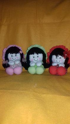 bonecas em fuxico medindo 15cm tecido 100% algodão, tempo para produto de 30 contando a partir da confirmaçao do pagamento.