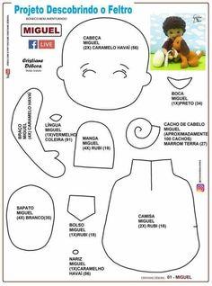 Molde de niño con mascota en fieltro - Patrones gratis