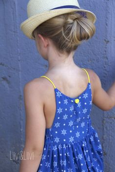 Kids Dress Wear, Diy Dress, Little Girl Dresses, Girls Dresses, Kids Frocks Design, Kurti Designs Party Wear, Baby Costumes, Barbie Dress, Kind Mode
