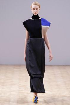 J.W.Anderson Fall 2014 Ready-to-Wear Fashion Show - Charlotte Lindvig