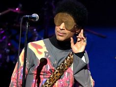 anti-internet-prince-joined-twitter-and-quickly-took-a-liking-to-selfies.jpg 1,448×1,086 pixels