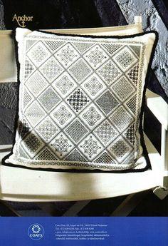 beautiful blackwork embroidery - pattern next page; thanks! Gallery.ru / Фото #64 - MONOCROMTICOS 2 - samlimeq; it can be found here too: http://nice-nata-san.gallery.ru/watch?ph=DTm-bIgWY