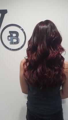 Dark red/violet color by 'De Beautyfabriek'