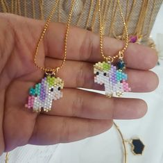 Loom Bracelet Patterns, Bead Loom Bracelets, Beading Patterns Free, Beaded Jewelry Patterns, Seed Bead Projects, Quilting, Beaded Brooch, Brick Stitch, Loom Beading
