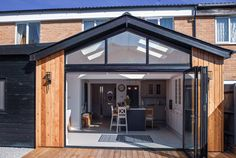 Leaves Green, Bracknell - by Design Work Studios House Extension Plans, House Extension Design, Roof Extension, Extension Ideas, House Design, Bungalow Extensions, Garden Room Extensions, House Extensions, Kitchen Extensions