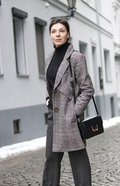 http://minimalissmo.blogspot.com/2017/01/stylizacja-minimalistyczna-blog-o-modzie.html grey plaid coat