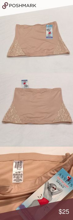 SPANX Luxe & Lean Lace Waist Cincher Look slimmer without even dieting by wearing this Spanks Luxe and Lean Lace Waist Clincher. It very comfy & yet it provides the right support. SPANX Intimates & Sleepwear Shapewear