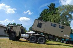 overlander vehicle with unloadable camper cabin Jeep Truck, Truck Camper, Cool Trucks, Big Trucks, Off Road Camping, Bug Out Vehicle, Expedition Vehicle, Outdoor Camping, Military Vehicles