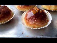 Pączki pieczone. Najlepsze domowe pączki pieczone z marmoladą i lukrem pomarańczowym. Pączki lepsze niż z cukierni. Muffin, Breakfast, Food, Morning Coffee, Essen, Muffins, Meals, Cupcakes, Yemek