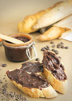 Krem czekoladowy z kruszonym ziarnem kakaowca