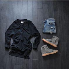WEBSTA @ frenchoutfit - #FrenchOutfit @iam_kmz• Sweater #Hm• Tee #Fog• Denim…