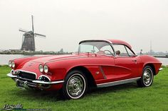 LaSalle Classic Cars | Collection | 1962 Chevrolet Corvette Convertible, SOLD