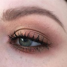 #maccosmetics - paint pot in painterly, eyeshadows in vanilla, woodwinked, brown script, dazzleshadow in let's roll!, extra dimension highlighter in show gold, false lash maximizer & instacurl lash #makeup #makeupartist #wakeupandmakeup #instamakeup #inssta_makeup #beautytalk #talkthatmakeup #blendthatshit #fiercesociety #pennold #leighdicksonartistry #pixiwoo #nikkietutorials #lindahallberg #jkissa #batalash #ssssamanthaa #dominiqueldr #dirtymelodies #naye0na #queenofblending #mykie…
