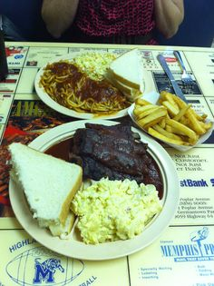 Yes that is BBQ spaghetti that you seen in the background!   Interstate BBQ in Memphis