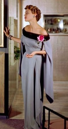 Dazzling photos capture fashion in rich color Jean Patchett in a dress by Nettie Rosenstein, photo by Genevieve Naylor vintage fashion 1940s Fashion, Look Fashion, Vintage Fashion, Dress Fashion, Moda Vintage, Vintage Glamour, Vintage Beauty, Vintage Gowns, Vintage Outfits