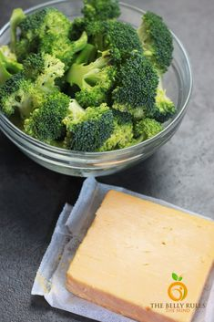 Instant Pot Broccoli Cheese Soup- Panera 's copycat Broccoli Cheese Soup. Easy to make, dump & stir recipe in 20 minutes. Panera Broccoli And Cheese Soup Recipe, Brocolli Cheese Soup, Broccoli Recipes, How To Make Broccoli, Winter Soups, Bread Bowls, Instant Pot, Stuffed Peppers, Foods