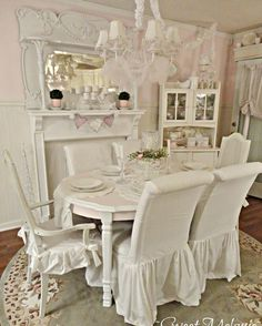 ♥ Dining Room - check out the fireplace!!!