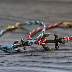 Une ancre sur un bracelet / Anchor bracelet