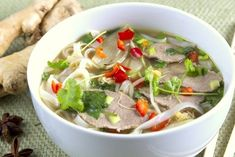 Zupa Pho Pho, Thai Red Curry, Food And Drink, Beef, Chicken, Ethnic Recipes, Diet, Meat, Steak
