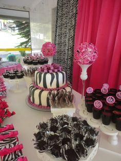 Larcher Festas Provençais Brasilia: Zebra e rosa