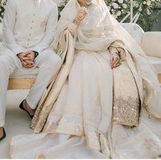 Pakistani Fashion Party Wear, Pakistani Wedding Outfits, Indian Bridal Outfits, Pakistani Wedding Dresses, Indian Designer Outfits, Muslimah Wedding Dress, Nikkah Dress, Asian Bridal Dresses, Indian Gowns Dresses